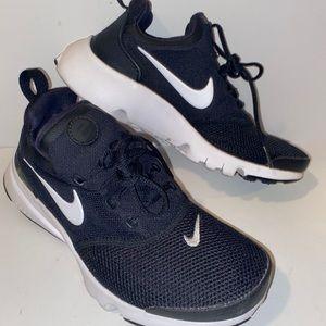 Nike Presto Fly Size 5Youth